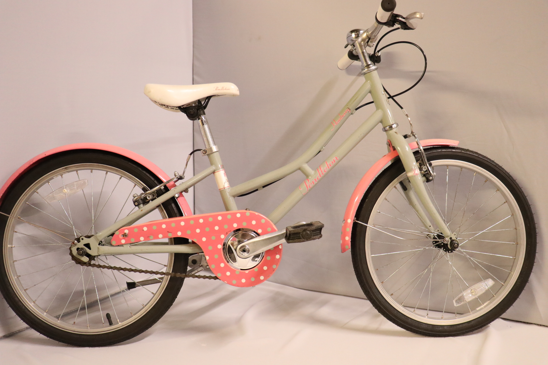 Pendleton children's bike in grey and pink